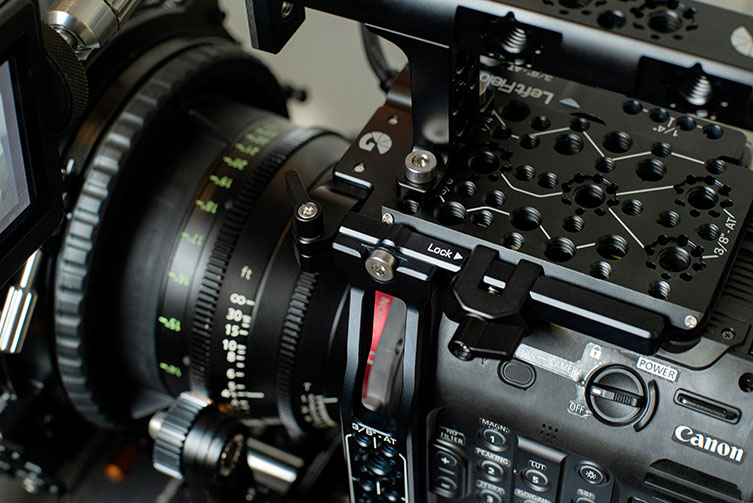 The C500 Mark II Left Field Cage seamlessly integrates to become a part of the camera.